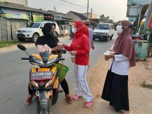 Yayasan Jantung Indonesia Kabupaten Pringsewu Bagi-bagi Takjil
