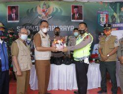 Wakil Bupati Pringsewu Dr. Fauzi Pantau Pos Penyekatan Mudik