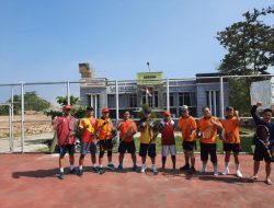 Pulang Kampung Di Pringsewu Staf Ahli Hukum Kemenpora RI Bermain Tenis Lapangan